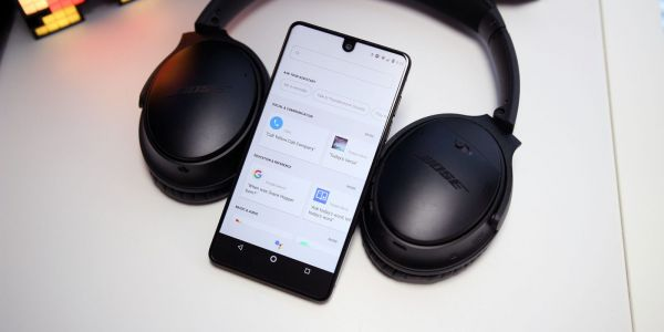 This is how headphones with Google Assistant built-in might work