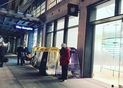 Lines Swell at Apple Stores Around the World as Customers Prepare for iPhone X Launch