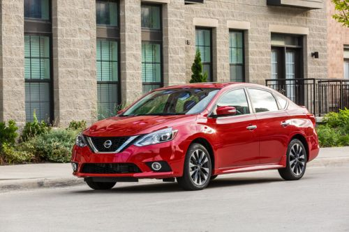 Nissan Sentra Features CarPlay Starting With New 2019 Model