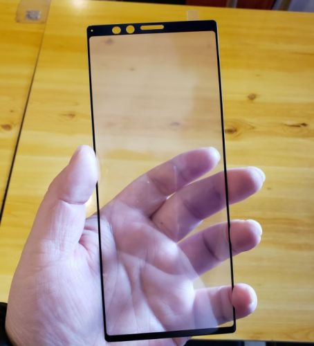New Leak Illustrates How Ridiculously Tall Sony Xperia XZ4 Actually Is