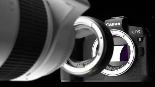 We could see a 75MP Canon EOS R next year
