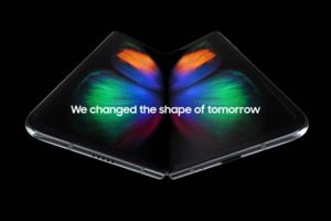The Galaxy Fold's screen emits record low harmful blue light, gets 'Eye Comfort' certification