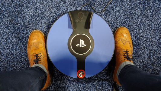 Control PSVR with your feet with the 3DRudder motion controller