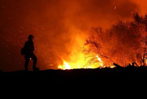 "Verizon throttled fire department's ""unlimited"" data during Calif. wildfire"