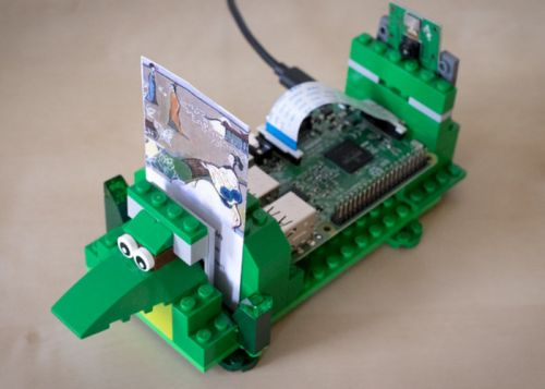 Awesome Raspberry Pi Jukebox Uses QR Codes And A Little LEGO