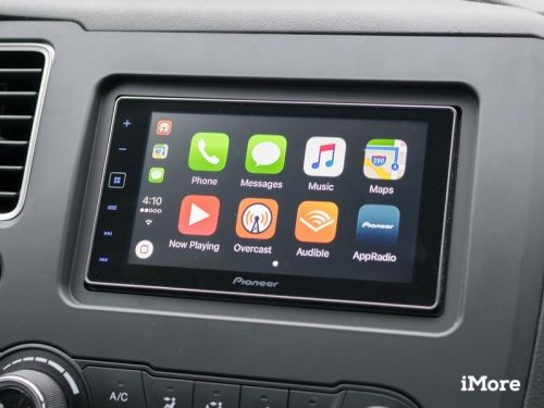 How to send or request a payment through CarPlay