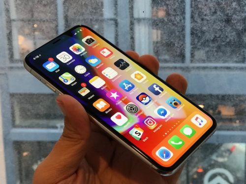 Save $300 on a new iPhone X at Verizon and get $300 off with trade-in