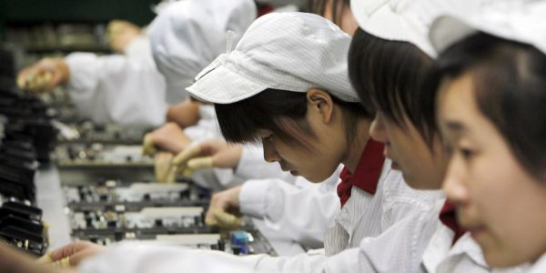 Why moving iPhone production to the US would be pointless as well as impractical