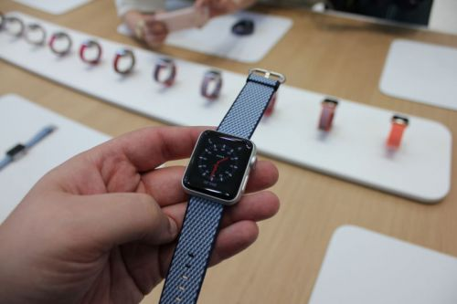 Apple acknowledges connection issue with new Apple Watch