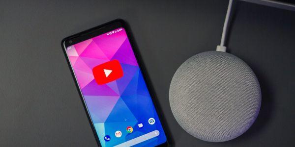 YouTube for Android breaks seek bar, tests more personal recommendations under videos
