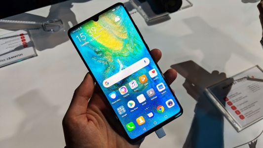 UAE telco du startes pre-oders for 5G enabled Huawei Mate 20 X