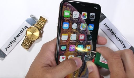 Apple's iPhone XS Max Gets Torture Tested