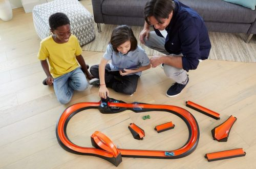Mattel Launches New Hot Wheels 'id' Smart Track Kit and NFC Cars Exclusively at Apple Stores