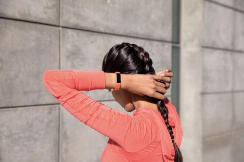 Can you wear Fitbit Alta HR in shower?