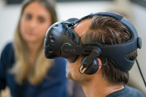 HTC Vive will share 100% of holiday app revenues with developers
