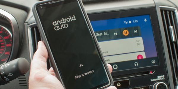 Developer hacks together wireless support for an Android Auto receiver