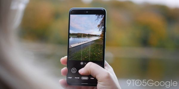 Latest WhatsApp update drops support for Google Camera's Social Share shortcut
