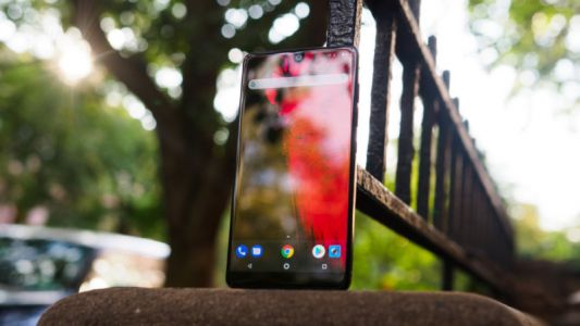 The Essential Phone just became a really good deal now that is costs $500