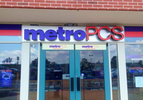 MetroPCS offering a year of Amazon Prime and a free phone