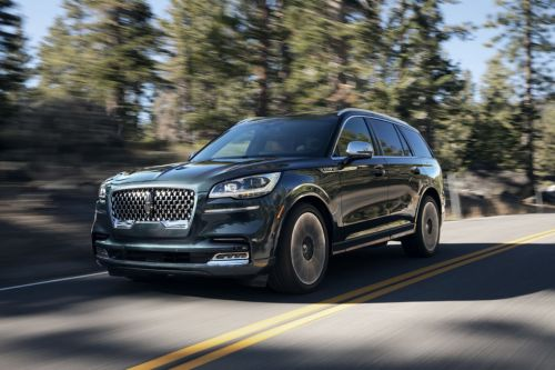 The Lincoln Aviator uses cameras to read the road, smooth out big potholes