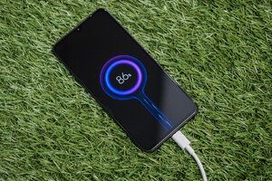 The hidden challenges and limitations of fast charging in smartphones