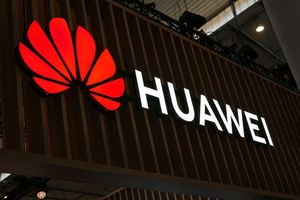 Global consumers shun Huawei phones online; Samsung and Xiaomi benefit in some markets