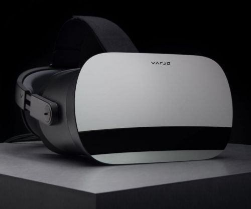 "Retina resolution headset puts the ""reality"" into ""virtual reality"""