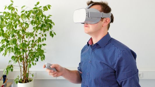 Simplifying remote work with VR