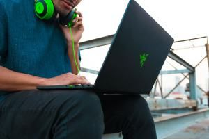 Razer Blade 15 gaming laptop - world's smallest
