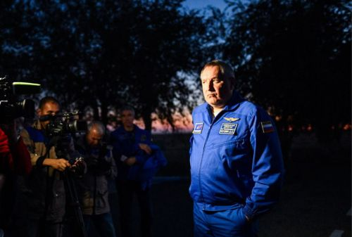 """Russian space leader issues decree against trash, """"sloppy"""" work attitudes"""