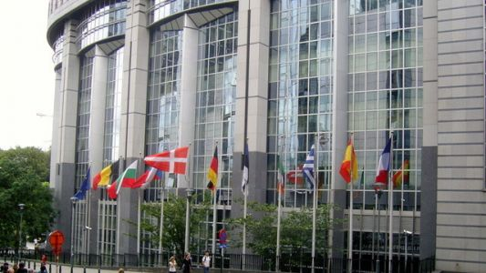 European governments approve controversial new copyright law