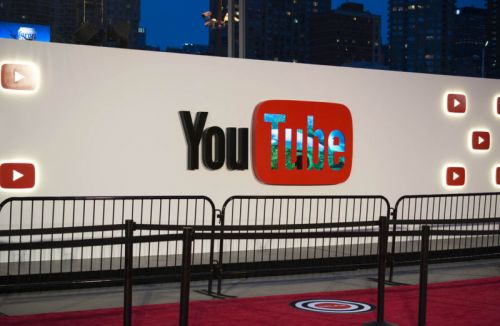 YouTube on iOS can now livestream ReplayKit-supported apps