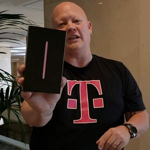 T-Mobile is giving away a Samsung Galaxy Note 9; here's how to enter the sweepstakes