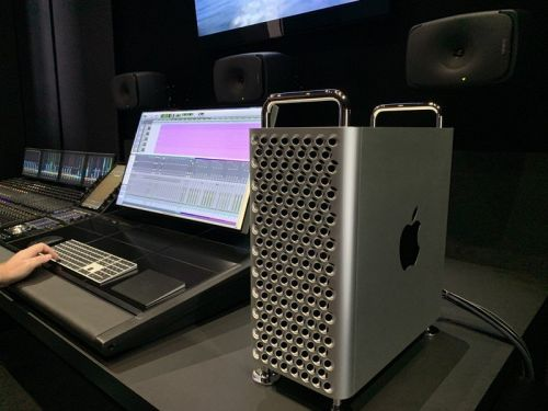 The first Mac Pro orders have started to ship