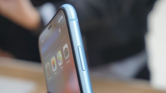Antenna changes are coming to the 2019 iPhones, analyst says