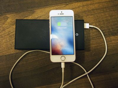 Best Portable Battery Packs for iPhone