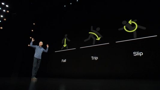 Apple Watch Fall Detection Saves Elderly Woman's Life After A Car Accident