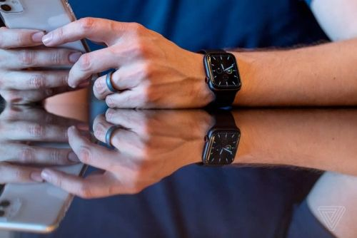 Here is a look at the new Apple Watch 5