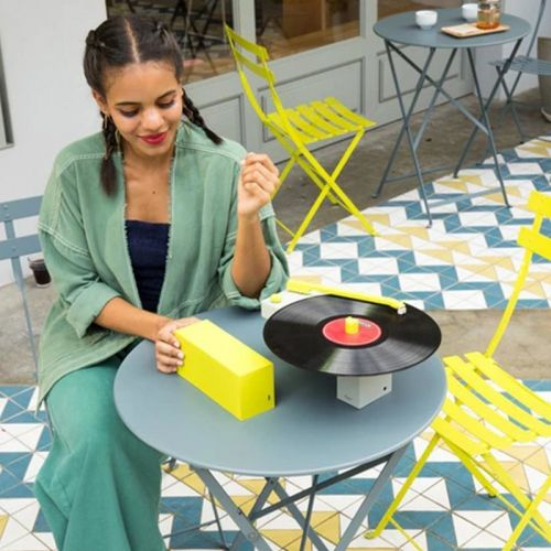 The Duo Turntable hits Kickstarter with a detachable Bluetooth speaker