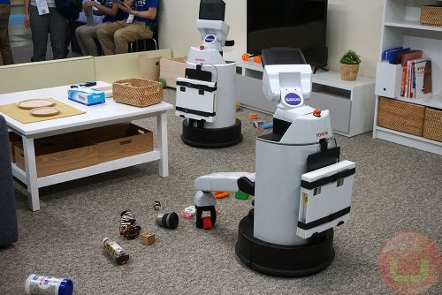 Stepping On LEGOs: Soon A Thing Of The Past With This Robot That Tidies Up Rooms