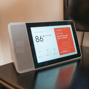 Deal: Save more than 50% on Lenovo's Smart Displays with Google Assistant