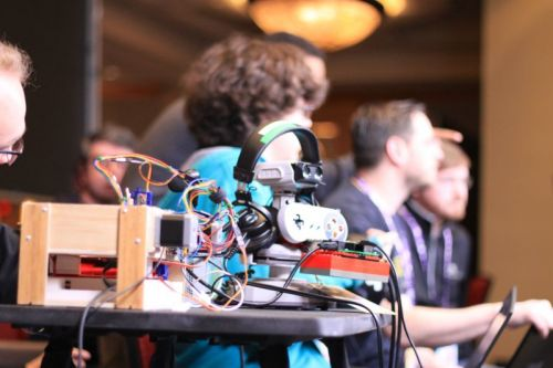 Meet MASHBot, the touchscreen-tapping, Nintendo DS-playing robot