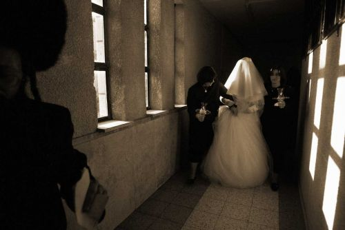How 'Kallah Classes' Teach Jewish Women the Basics of Marriage
