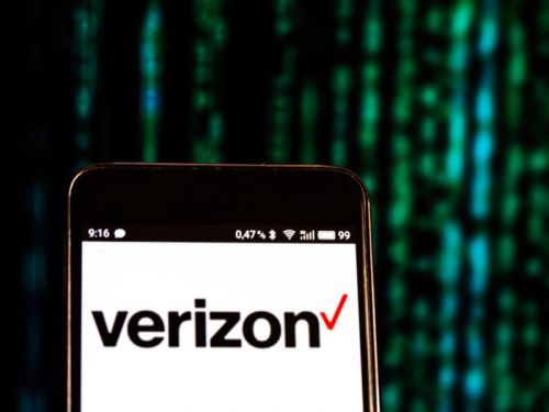 """Verizon charges new """"spam"""" fee for texts sent from teachers to students"""