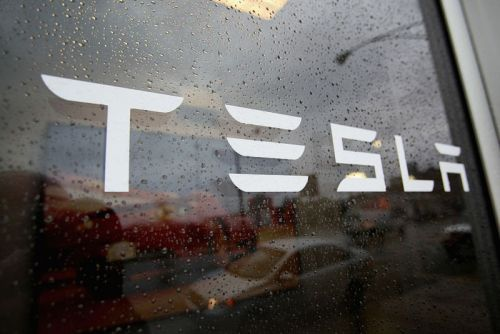 """Tesla slams Reveal News as """"extremist"""" after exposé on alleged factory improprieties"""