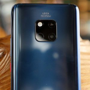 The Mate 20 and Pro are official: ultra-fast charging, 7nm chip and in-display scanner