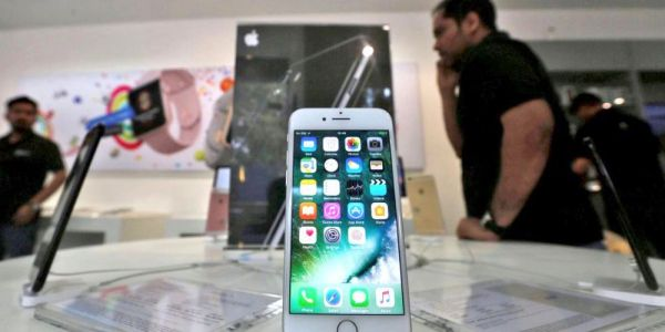 India regulator threatens to ban iPhones from carrier networks over resistance to anti-spam app