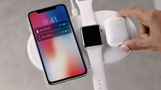 IPhone XS packaging mentions AirPower charging mat