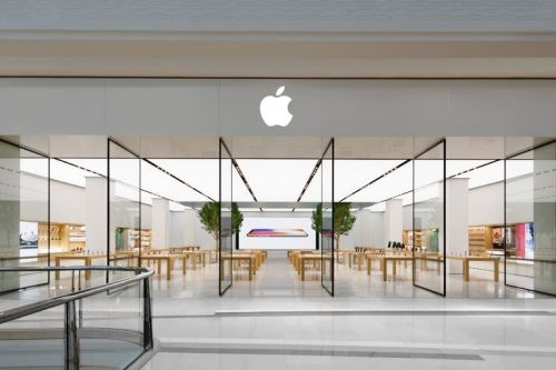 Victoria Apple stores reclose following COVID-19 spike