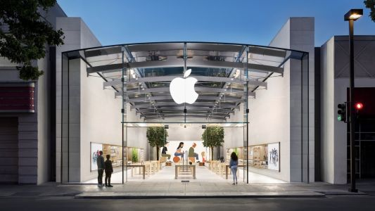 Apple Stores Will Continue to Require Masks for Now
